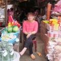 choang-voi-hinh-anh-nguoi-phu-nu-deo-hang-chuc-cay-vang_1