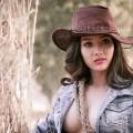 Hot girl Mi Vân đẹp hút hồn với bộ ảnh cao bồi thả rông vòng 1
