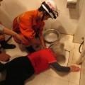 Stuck-toilet-1-3cc07