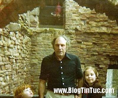 """gahost Bức ảnh """"ma"""" lấp ló tại lâu đài cổ ở Scotland"""