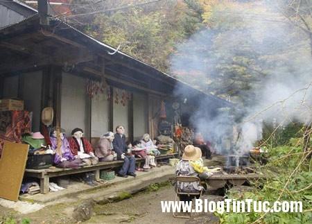 nagoro1 151214 43556 Ngôi làng hình nhân u ám ở Nhật