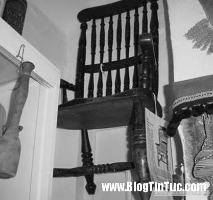 s4 547bdcfd6b6ec Bí ẩn cái ghế bị dính lời nguyền chết chóc  ghê rợn ở bảo tàng Thirsk nước Anh