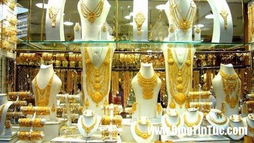 20150725 010828 do xa hoa chv dubai 2606152509 520x294 Chiêm ngưỡng độ xa hoa không tưởng của tiệm vàng ở Dubai