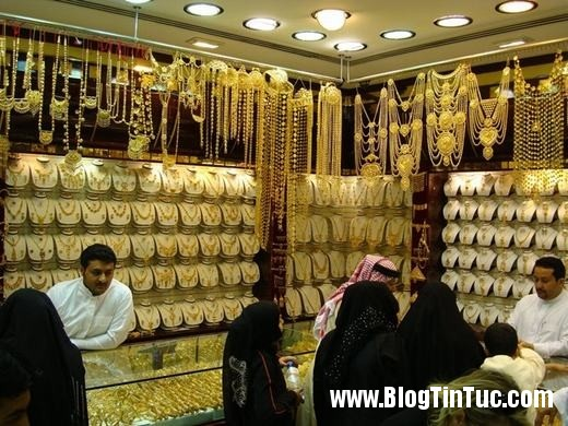 20150725 010901 do xa hoa chv dubai 2606122509 520x390 Chiêm ngưỡng độ xa hoa không tưởng của tiệm vàng ở Dubai