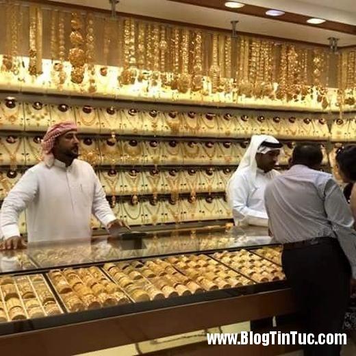20150725 010901 do xa hoa chv dubai 26062509 520x520 Chiêm ngưỡng độ xa hoa không tưởng của tiệm vàng ở Dubai