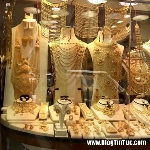 20150725 010901 do xa hoa chv dubai 26102509 520x520 Chiêm ngưỡng độ xa hoa không tưởng của tiệm vàng ở Dubai