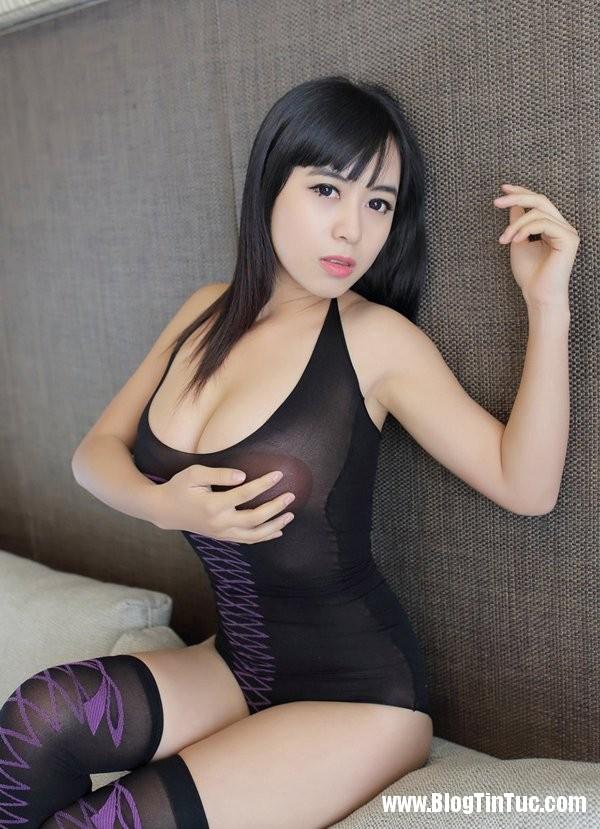 21194 xcLury Thiếu nữ e ấp mời gọi trên giường