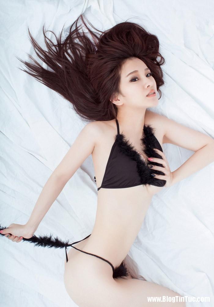 xry2dflw13e Siêu mẫu Hồng Kông khoe dáng nóng bỏng