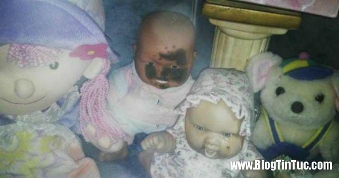 bup be biet khoc 2 Bí ẩn về búp bê khóc trong ngôi mộ cô gái chết trẻ
